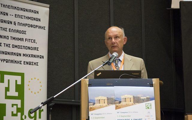 Ο κος. Γρ. Παπακωνσταντίνου κατά την διάρκεια της ομιλίας του.