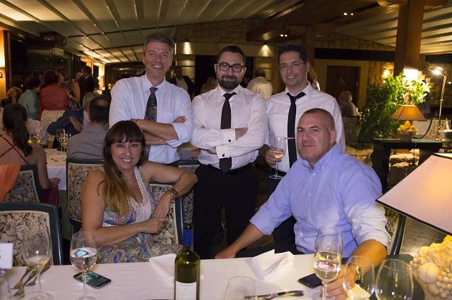 Η ομάδα της Mortek κατά την διάρκεια του επίσημου δείπνου.